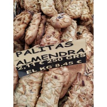PASTAS PALITAS DE ALMENDRA RELLENAS DE CHOCOLATE, BOLSA 1/2 KG.