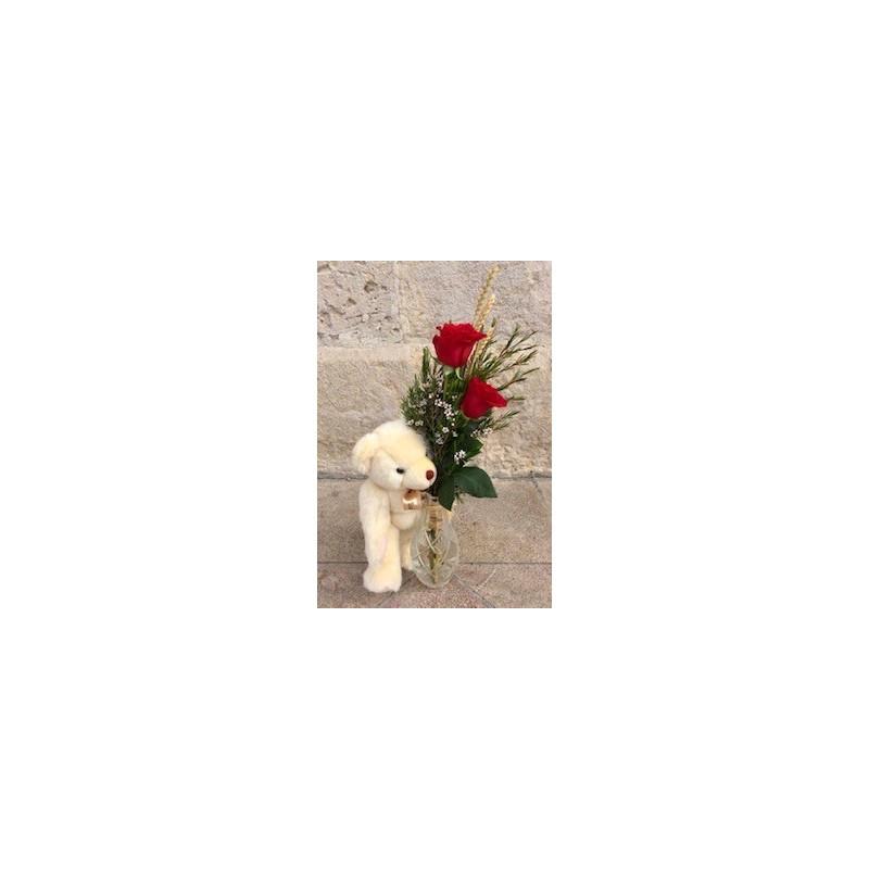 Detalle de 2 rosas y osito